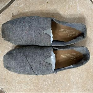 Grey/ gray speckled women's toms size 8